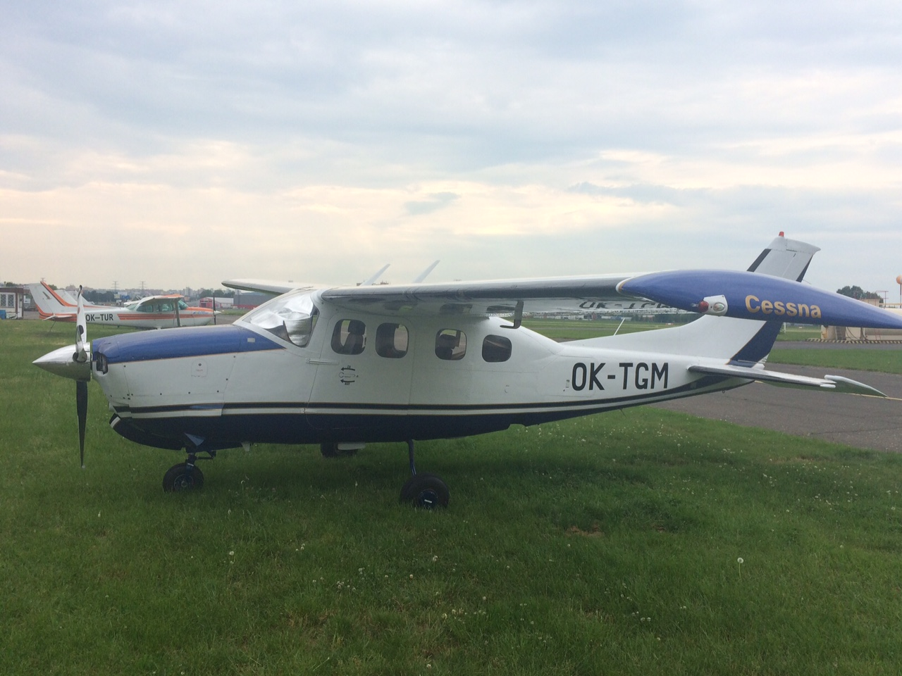 Cessna P210 N